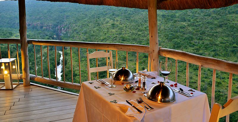 Dinner with a view at Clifftop Exclusive Safari Hideaway.