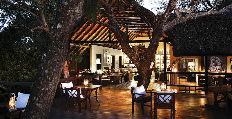 Inviting evening ambience at Londolozi Tree Camp in the Sabi Sand Private Game Reserve.