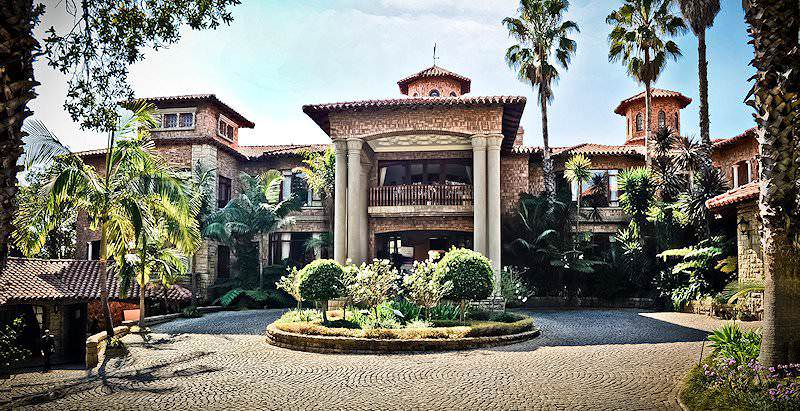 The imposing exterior of Villa Sterne Guest House in South Africa's capital city of Pretoria.