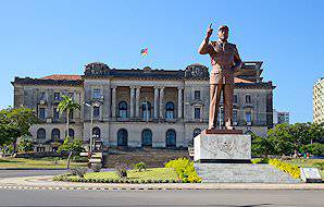 The statue of former president Samora Machel outside City Hall in Maputo.