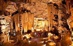 The Cango Caves offer awe-inspiring tableaus.