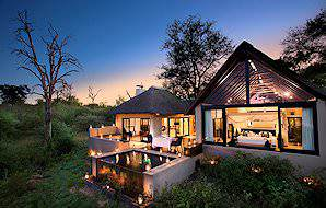 The exterior of one Lion Sands Ivory Lodge's ultra-luxurious villas in the Sabi Sand.