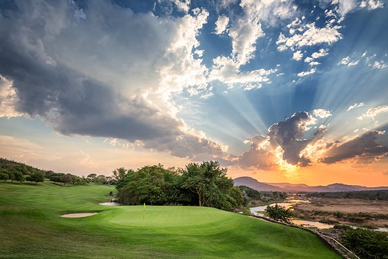 A striking dusk setting at Leopard Creek Country Club.