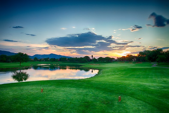 Pecanwood Golf Course is located on the edge of the Hartbeespoort Dam.