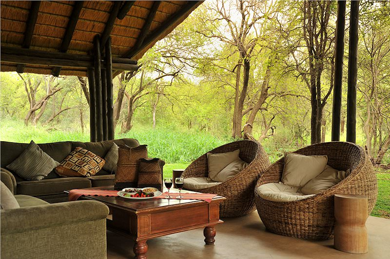 The outside lounge area at Black Rhino Game Lodge.