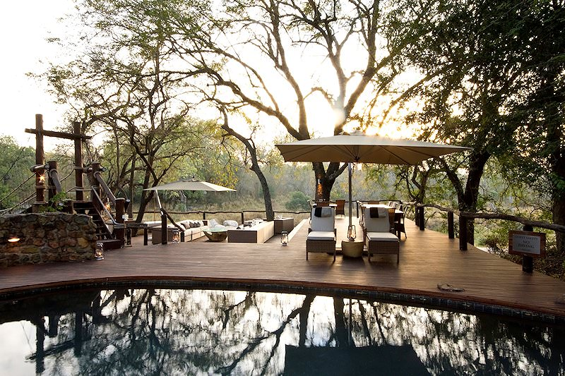 A tranquil morning at the main swimming pool at Dulini Lodge.