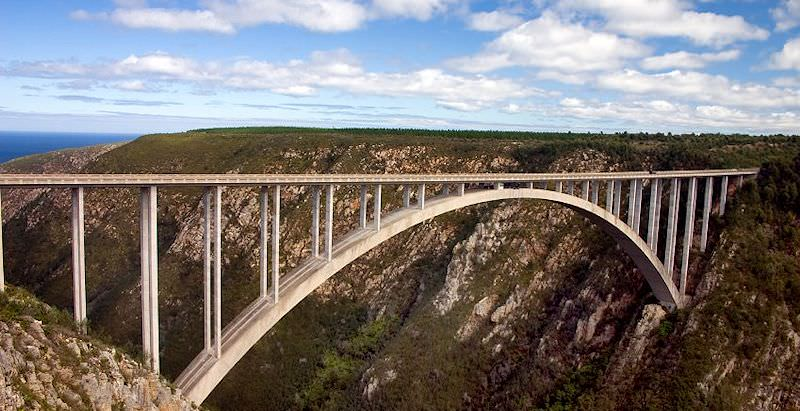 Bloukrans Bridge offers the world's highest commercial bungee jump.