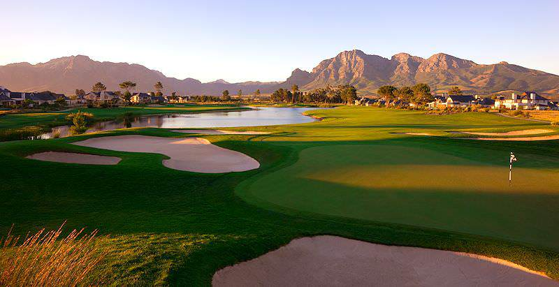 A scenic sunset over the mountain-fringed Pearl Valley Golf Course in the Cape winelands.