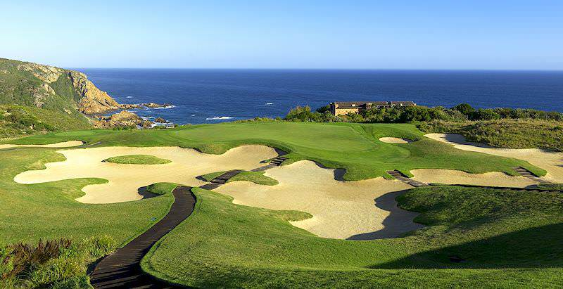 Pezula Golf Course trundles across Knsyna's Western Head in the Garden Route.