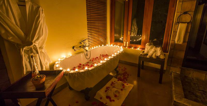 Special honeymoon touches at Elephant Plains Lodge during the 14 Day Cape and Wildlife Honeymoon.