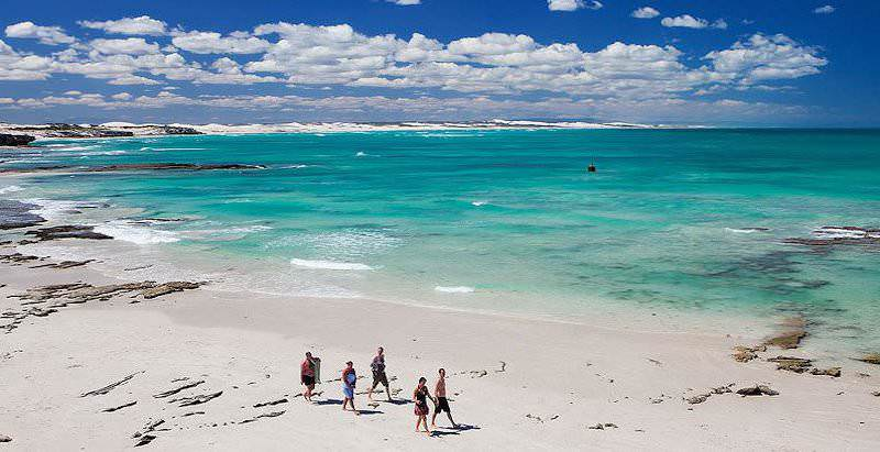 Arniston is one of the coastal destinations that is visited during the 7 Day Winelands and Whale Route Tour.