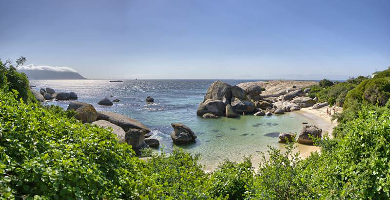 The 7 Day Garden Route Self-Drive Tour features spectacular coastal scenery.