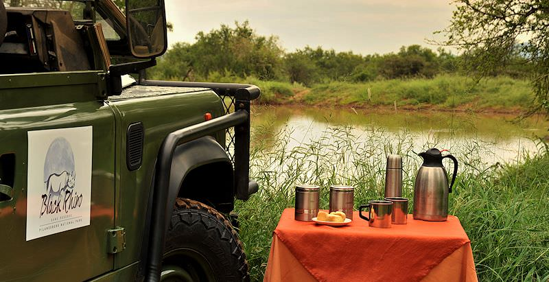 A safari coffee stop at Black Rhino Game Lodge during the 4 Day Pilanesberg Family Safari.