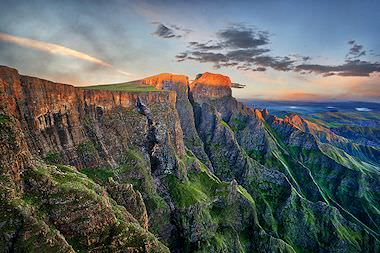 A dramatic perspective of the Drakensberg mountains.
